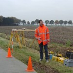 Christian Tiberius at the ground-station in Zuid-Limburg, looking for the aircraft to fly over. An array with three antennas and receivers was set out.